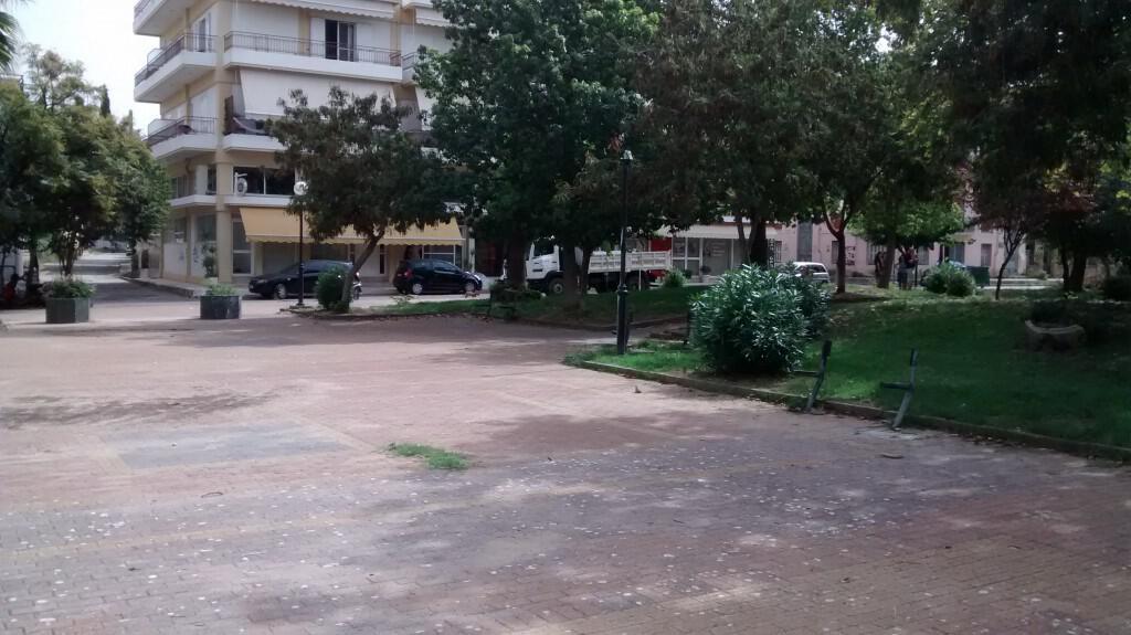 Άποψη της πλατείας από το κέντρο της